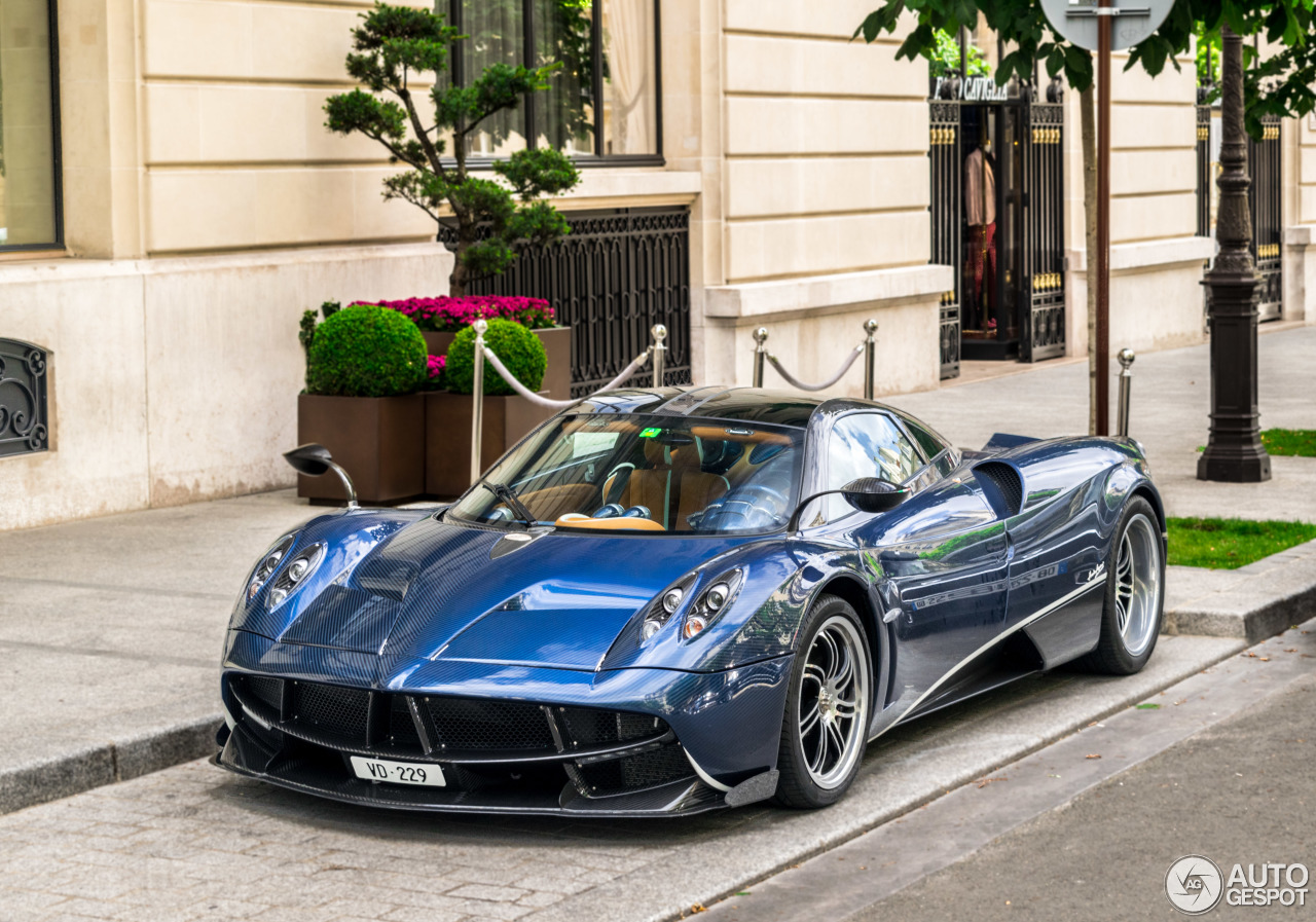 Pagani huayra carbon edition wallpaper