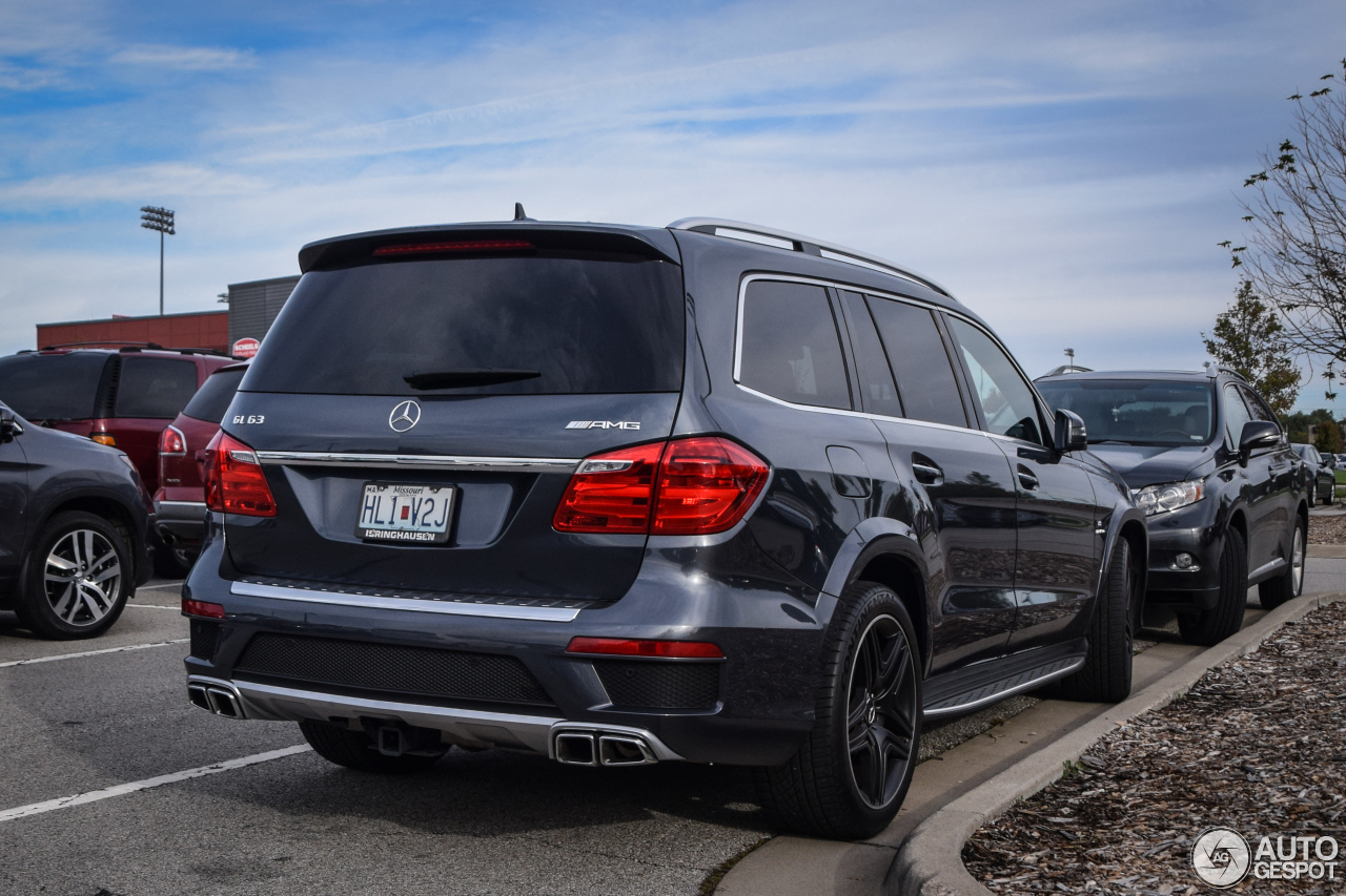 Mercedes benz gl 63 amg x166 4 january 2017 autogespot for Mercedes benz gls 63 amg