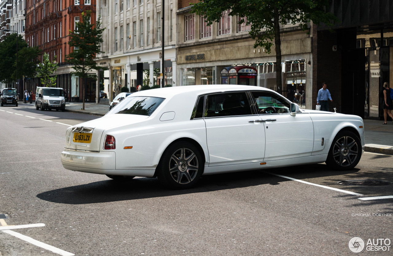 rolls royce phantom ewb series ii 6 january 2017 autogespot. Black Bedroom Furniture Sets. Home Design Ideas