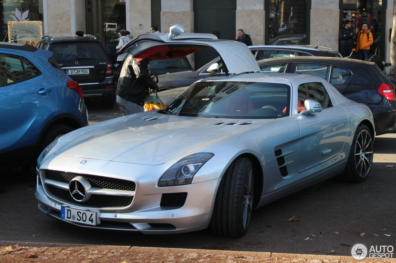 Mercedes benz sls amg 10 january 2017 autogespot for All types of mercedes benz cars