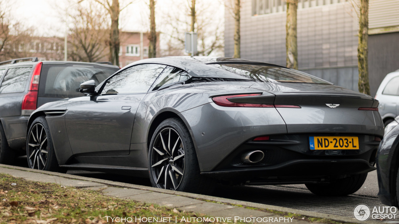 Aston Martin Db11 Launch Edition 12 Januar 2017 Autogespot