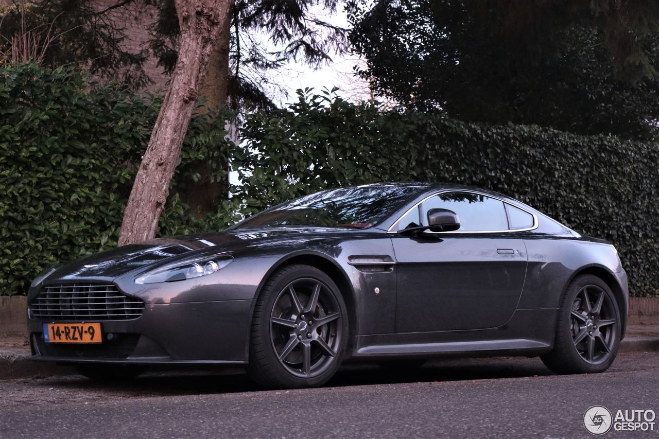 aston martin v8 vantage s 21 january 2017 autogespot. Black Bedroom Furniture Sets. Home Design Ideas