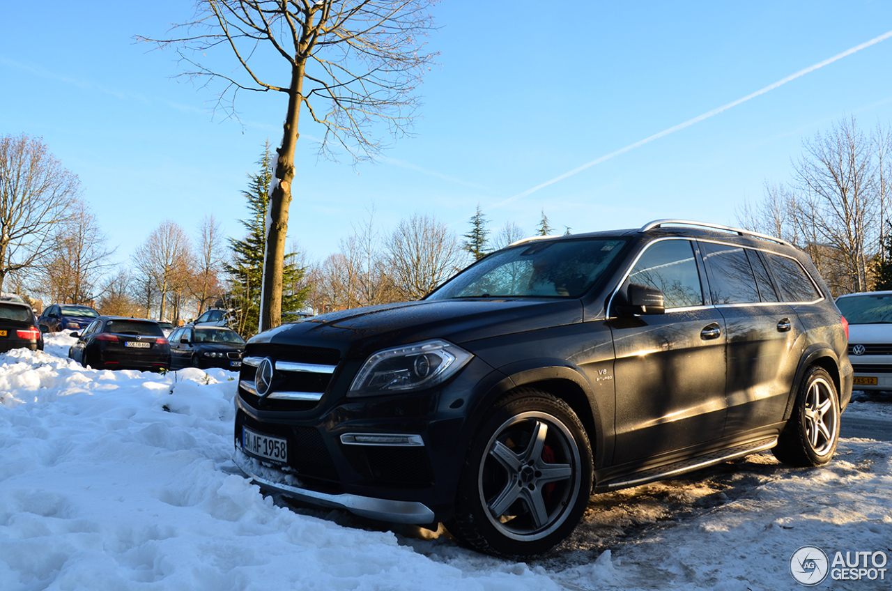 Mercedes benz gl 63 amg x166 23 janvier 2017 autogespot for 2017 mercedes benz gl450