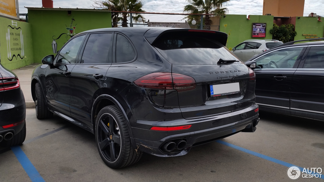porsche 958 cayenne turbo s mkii 27 january 2017 autogespot. Black Bedroom Furniture Sets. Home Design Ideas