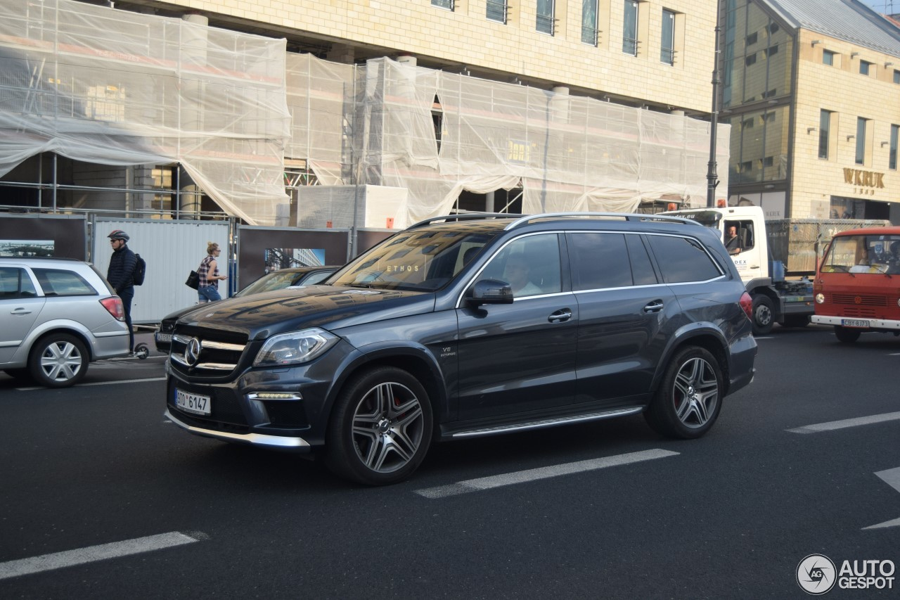 Mercedes benz gl 63 amg x166 28 january 2017 autogespot for 2017 mercedes benz gl450