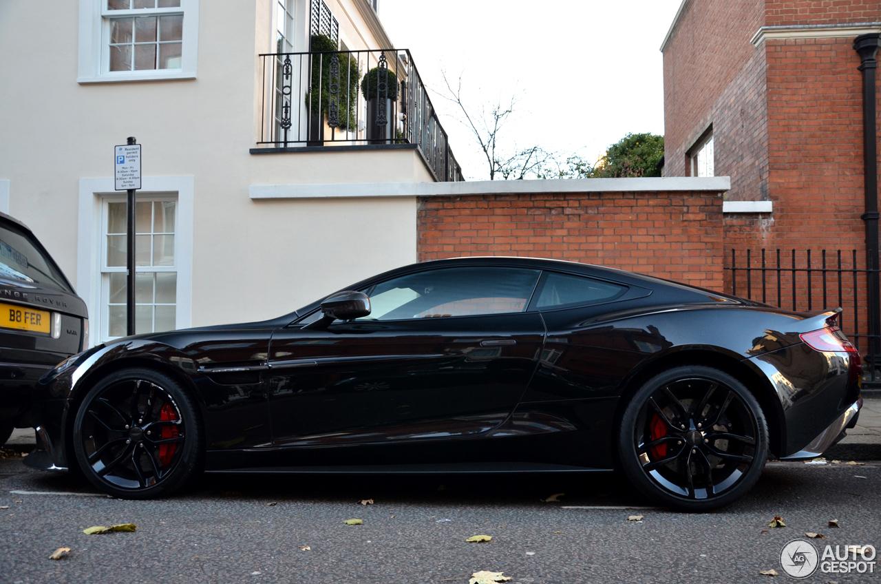 Aston Martin Vanquish Carbon Black Edition C
