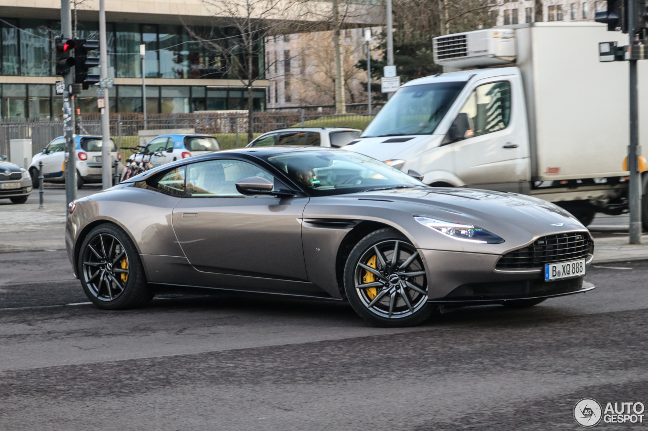 aston martin db11 launch edition - 31 janvier 2017 - autogespot