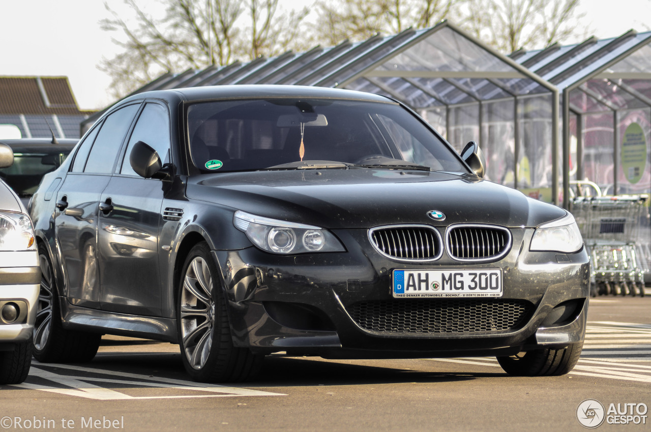 bmw m5 e60 2007 1 february 2017 autogespot. Black Bedroom Furniture Sets. Home Design Ideas