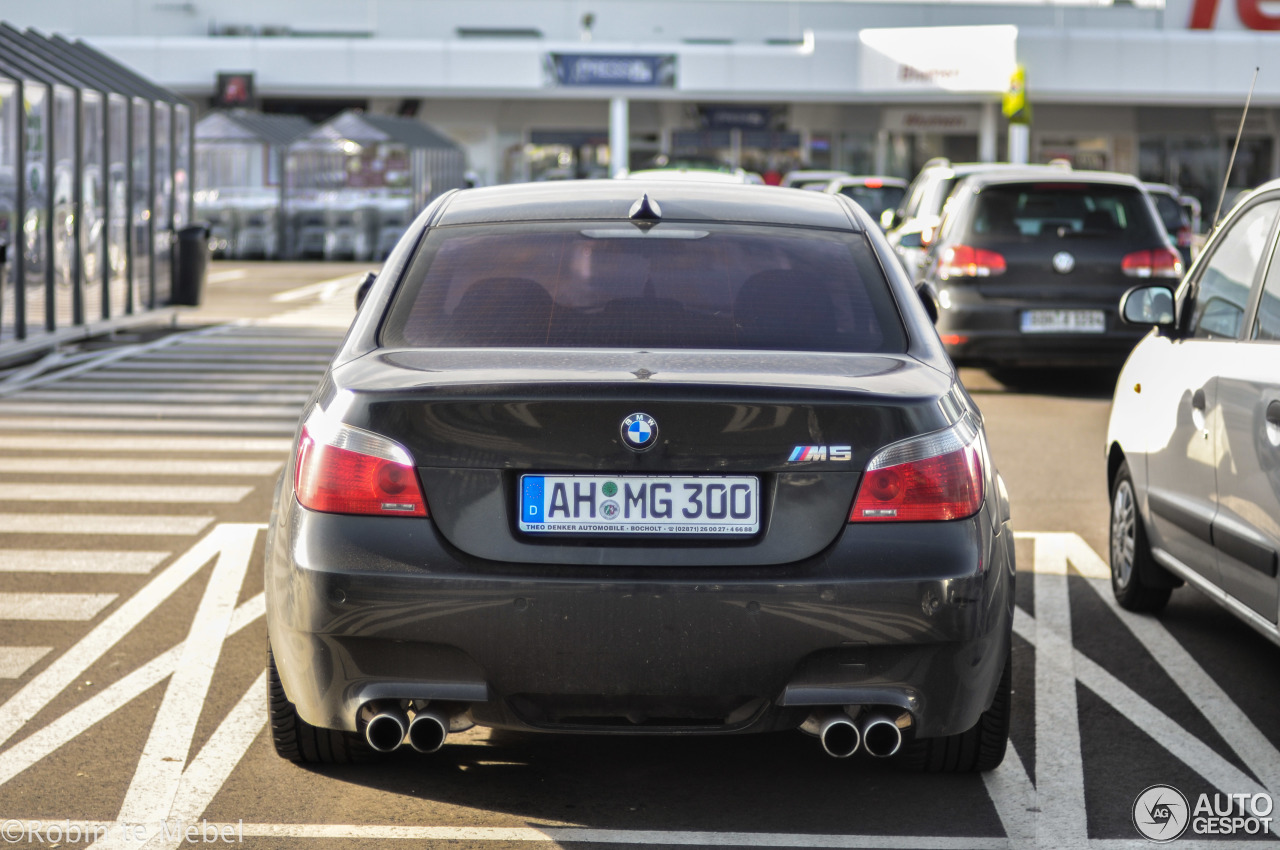bmw m5 e60 2007 1 februar 2017 autogespot. Black Bedroom Furniture Sets. Home Design Ideas