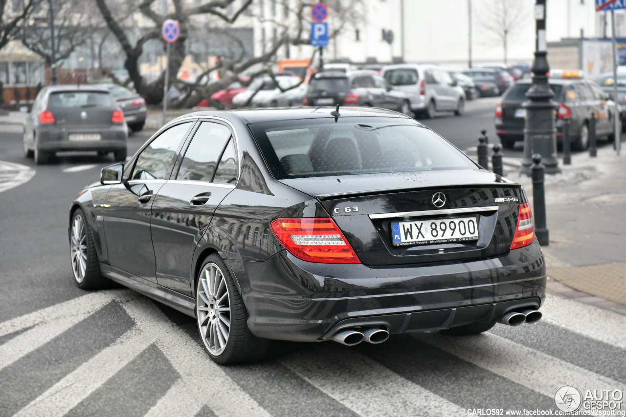 mercedes benz c 63 amg w204 1 february 2017 autogespot. Black Bedroom Furniture Sets. Home Design Ideas