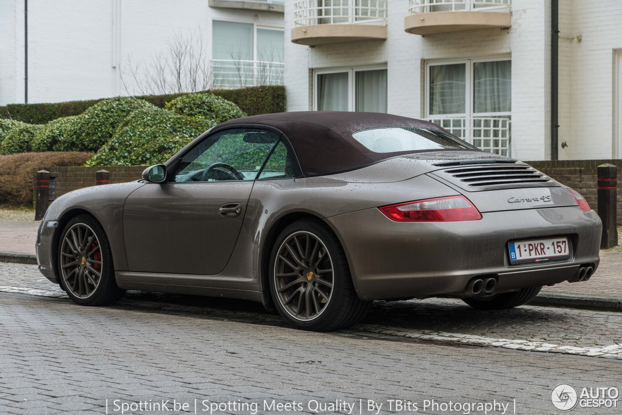 porsche 997 carrera 4s cabriolet mki 5 february 2017 autogespot. Black Bedroom Furniture Sets. Home Design Ideas
