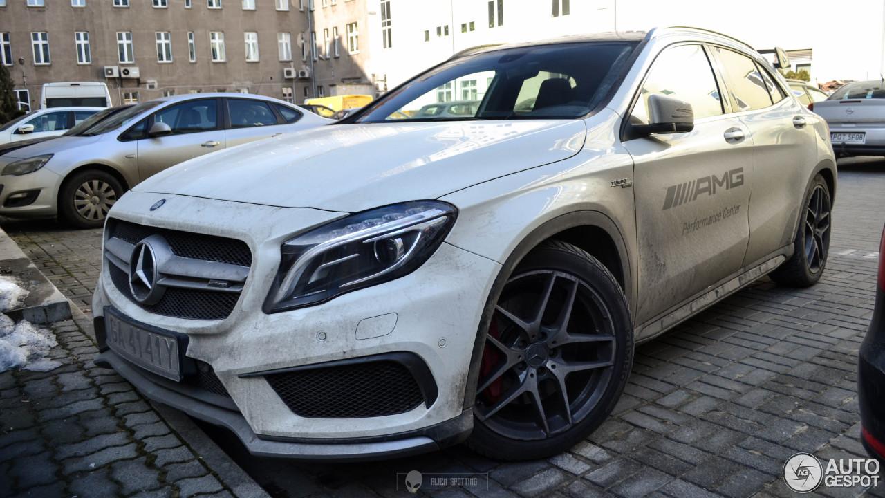 Mercedes benz gla 45 amg x156 16 february 2017 autogespot for 2017 amg gla 45 mercedes benz