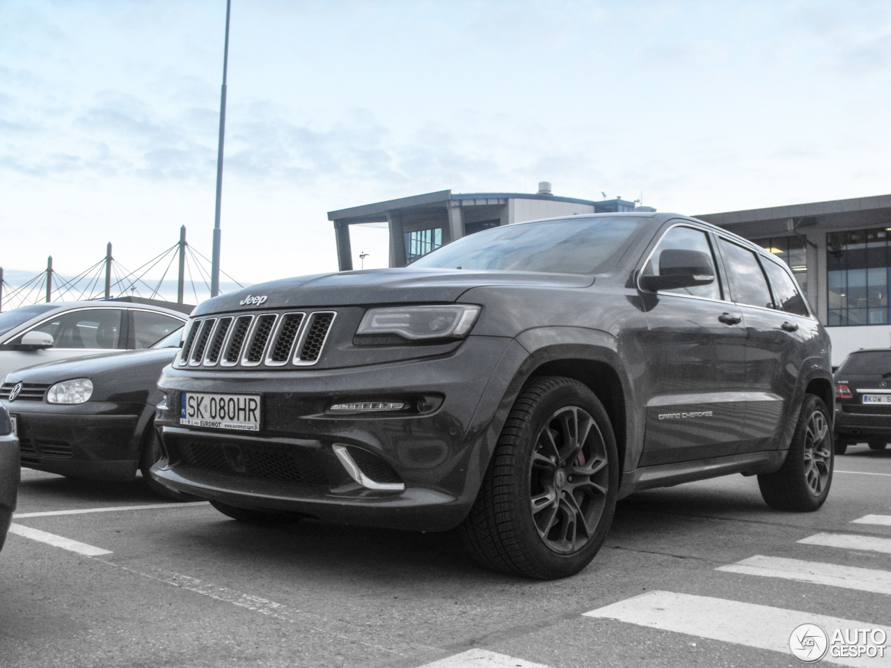jeep grand cherokee srt 8 2013 17 february 2017 autogespot. Black Bedroom Furniture Sets. Home Design Ideas