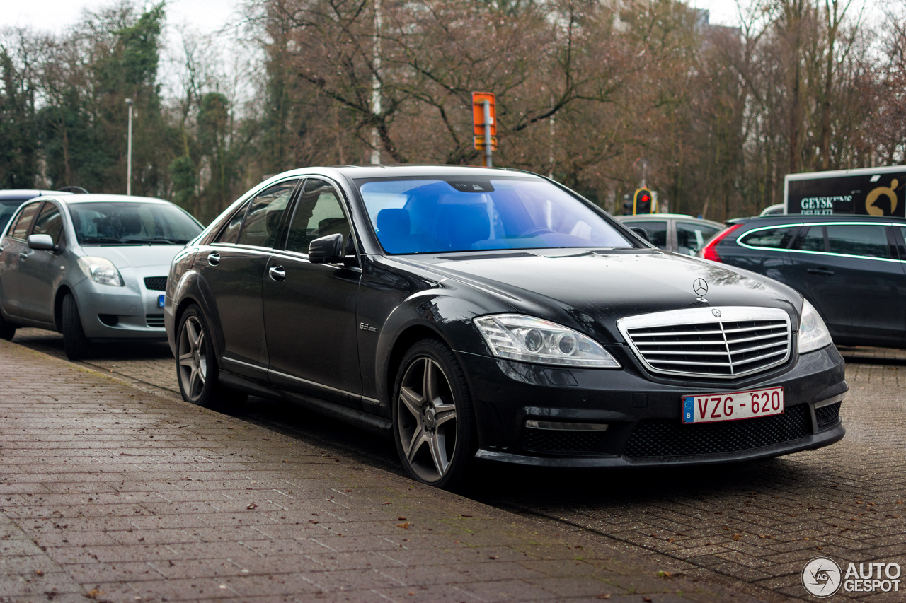 Mercedes benz s 63 amg w221 2010 21 february 2017 for Mercedes benz s63 amg 2010