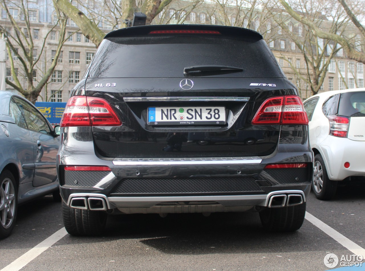 Mercedes benz ml 63 amg w166 26 february 2017 autogespot for Mercedes benz ml63 amg 2017