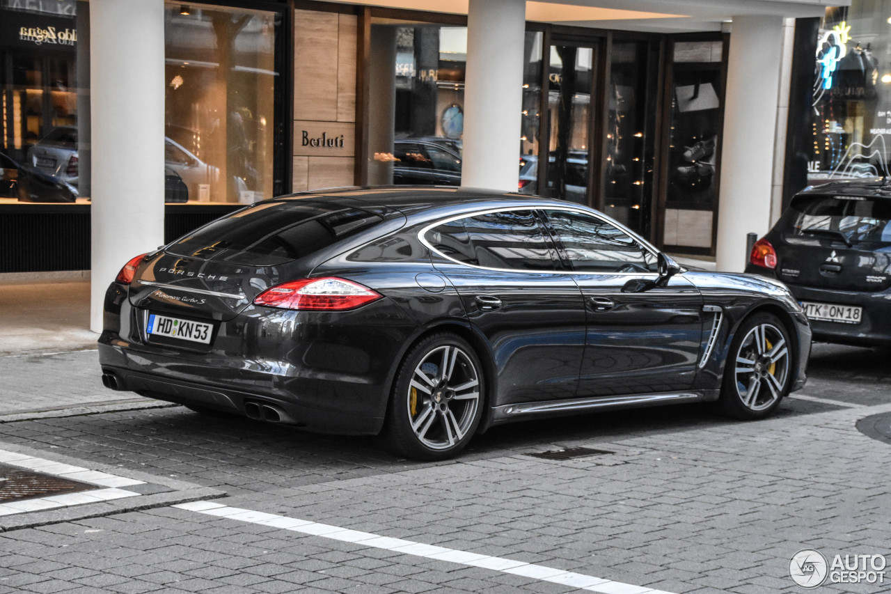 porsche panamera turbo s 26 february 2017 autogespot. Black Bedroom Furniture Sets. Home Design Ideas