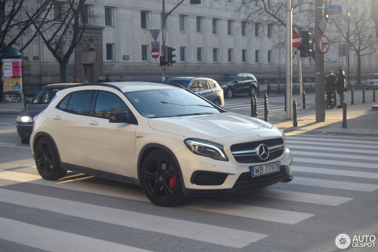 mercedes benz gla 45 amg x156 27 fevereiro 2017 autogespot. Black Bedroom Furniture Sets. Home Design Ideas