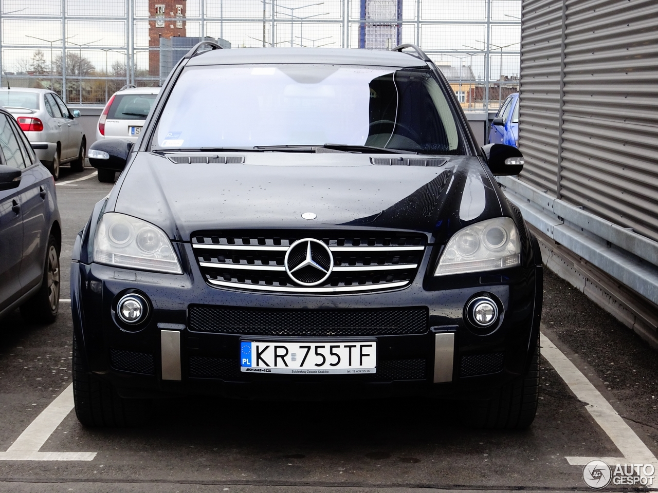 Mercedes benz ml 63 amg w164 27 february 2017 autogespot for Mercedes benz w164