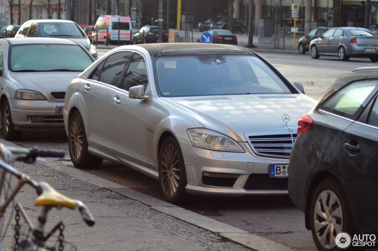 Mercedes benz s 65 amg v221 2010 27 february 2017 for 2017 amg s 65 mercedes benz