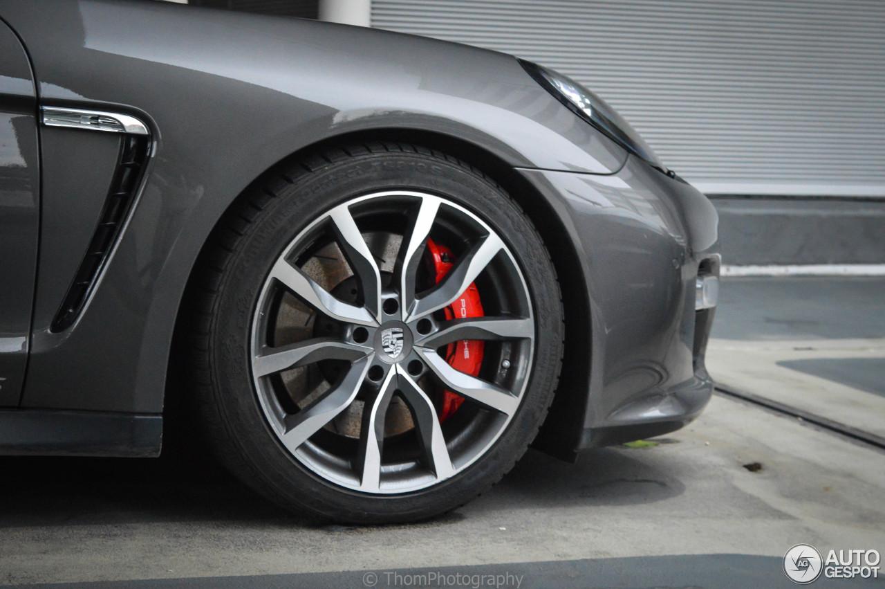 Porsche Panamera GTS  28 February 2017  Autogespot