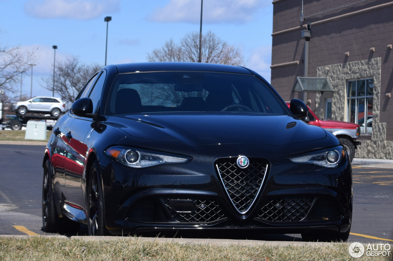 alfa romeo giulia quadrifoglio 2 march 2017 autogespot. Black Bedroom Furniture Sets. Home Design Ideas