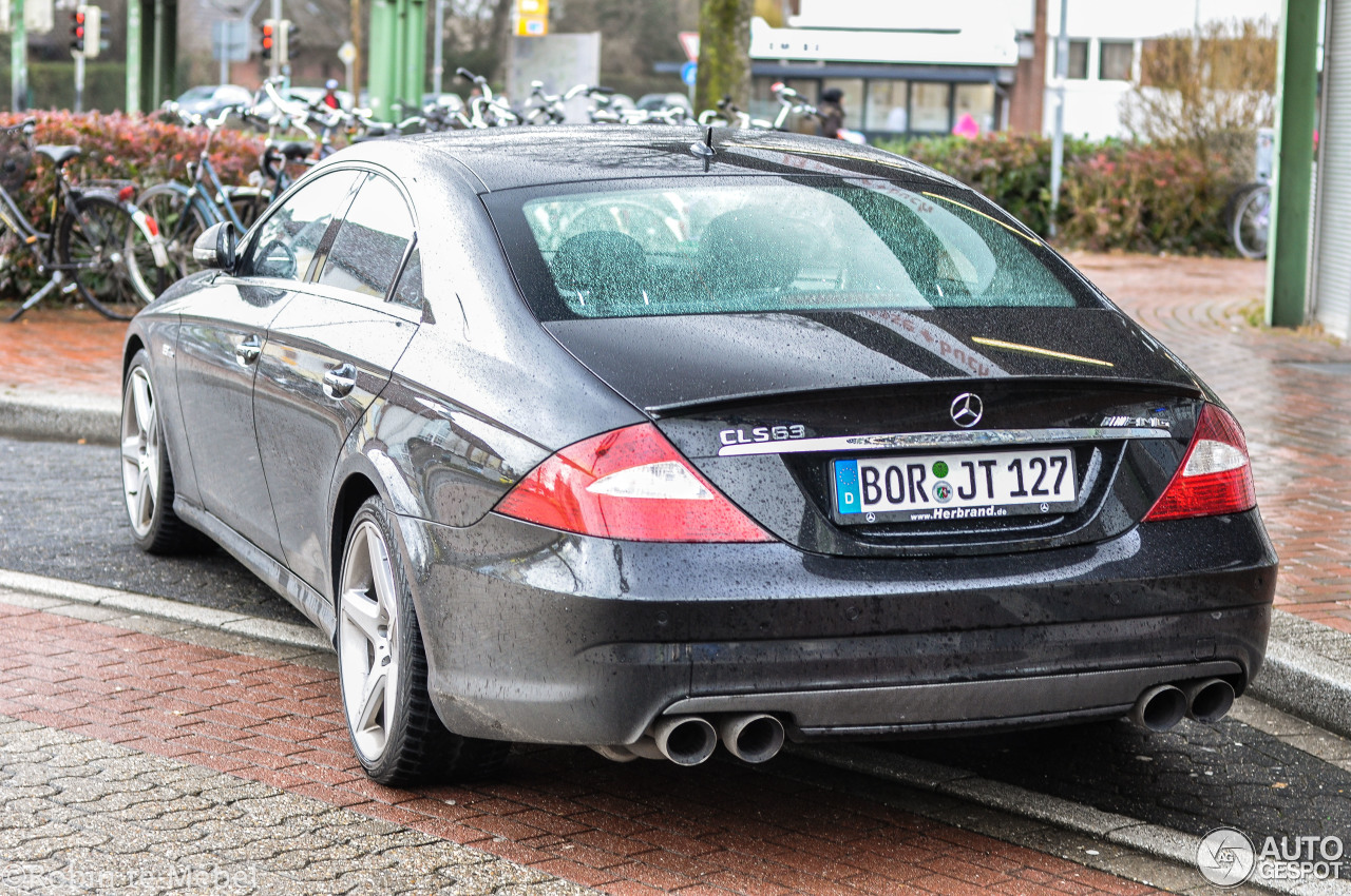 Mercedes benz cls 63 amg c219 2 march 2017 autogespot for 2017 amg cls 63 mercedes benz