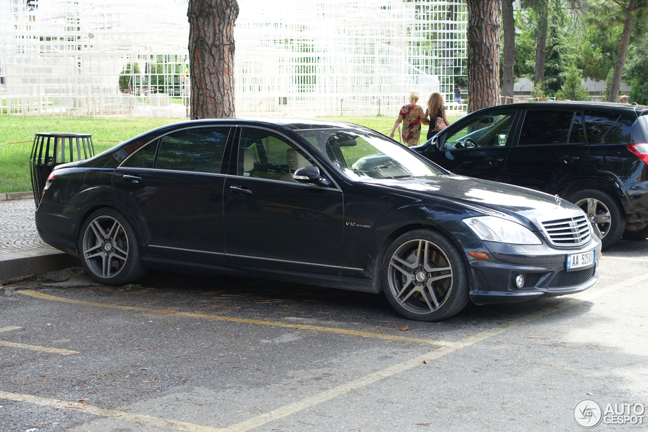 Mercedes benz s 65 amg v221 2 march 2017 autogespot for All types of mercedes benz cars