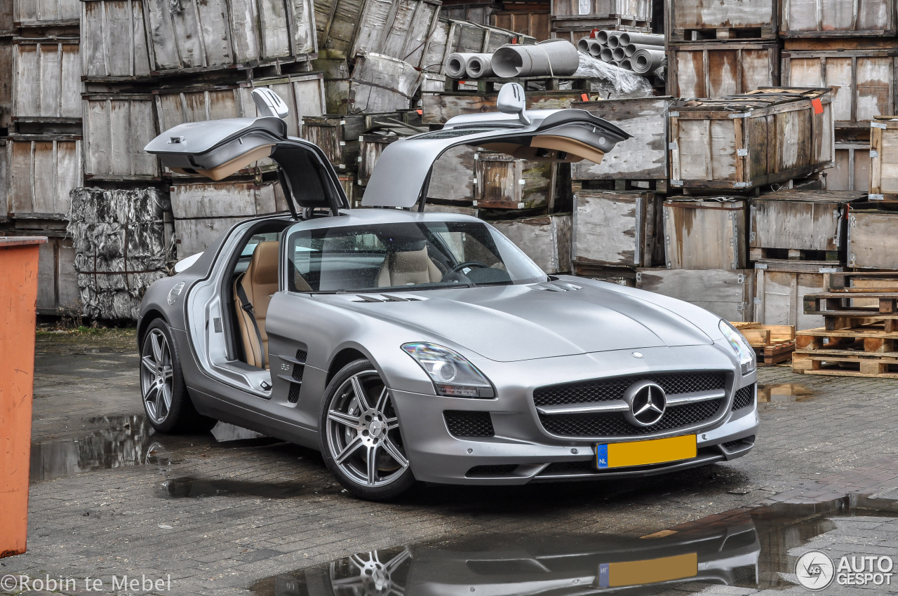 mercedes benz sls amg 4 maro 2017 autogespot On mercedes benz sls 2017