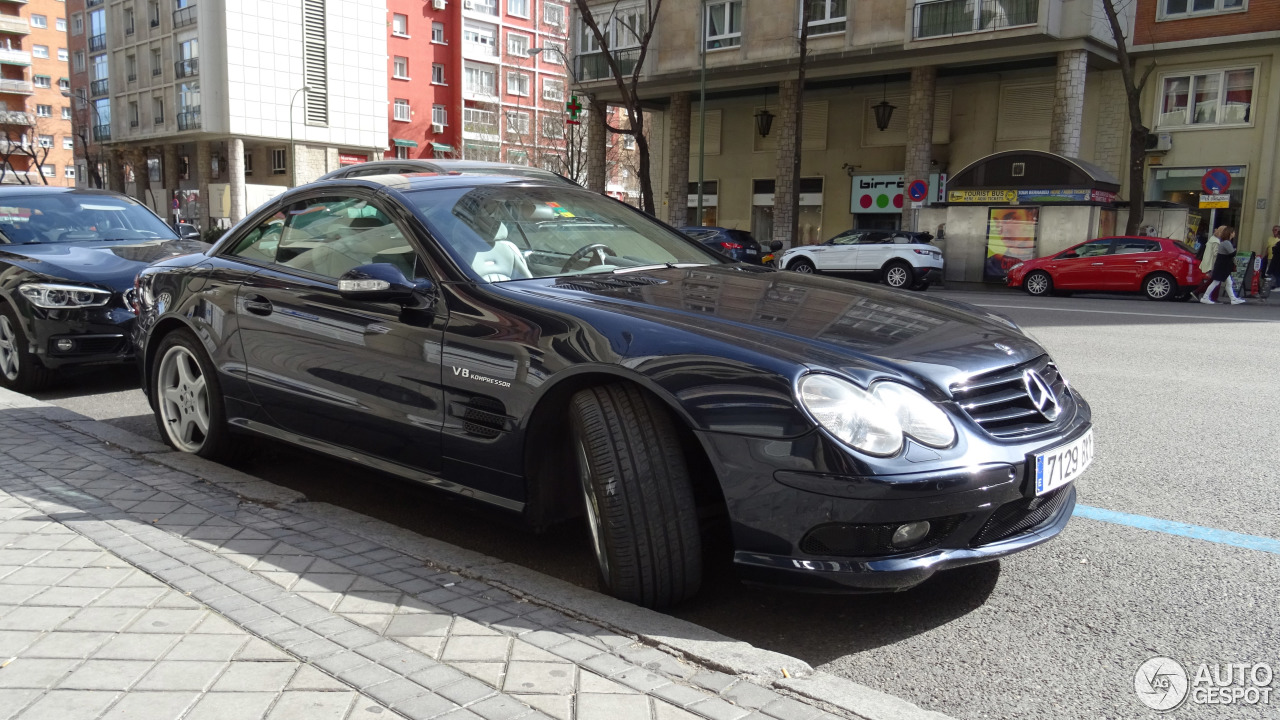 Mercedes benz sl 55 amg r230 7 maart 2017 autogespot for Mercedes benz 230 2017
