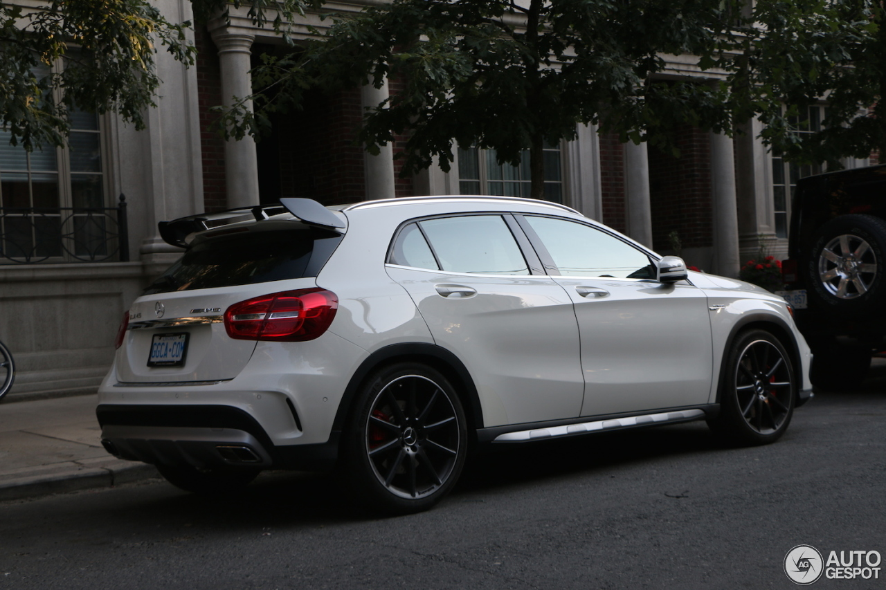 Mercedes benz gla 45 amg x156 8 march 2017 autogespot for 2017 mercedes benz amg gla 45
