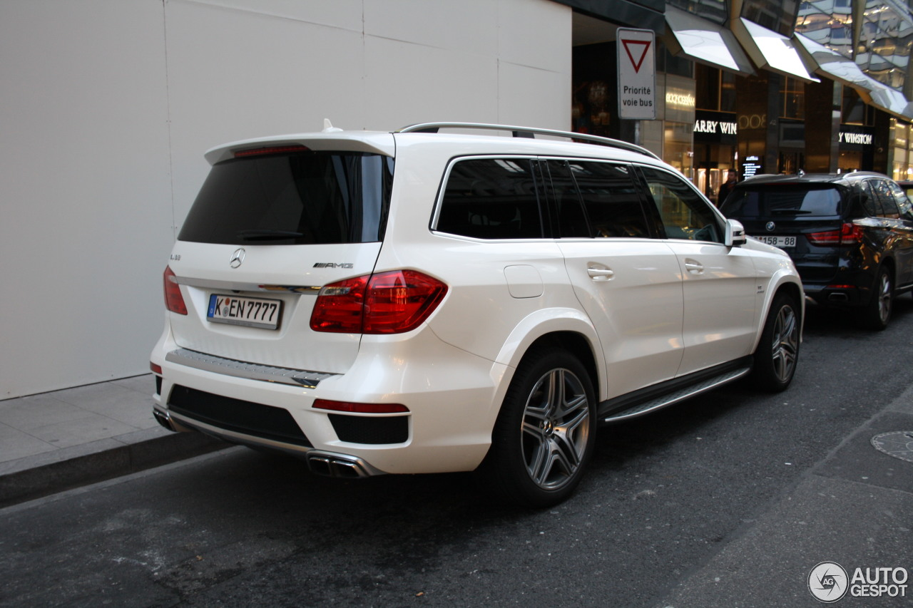 Mercedes benz gl 63 amg x166 17 march 2017 autogespot for 2017 mercedes benz gl450