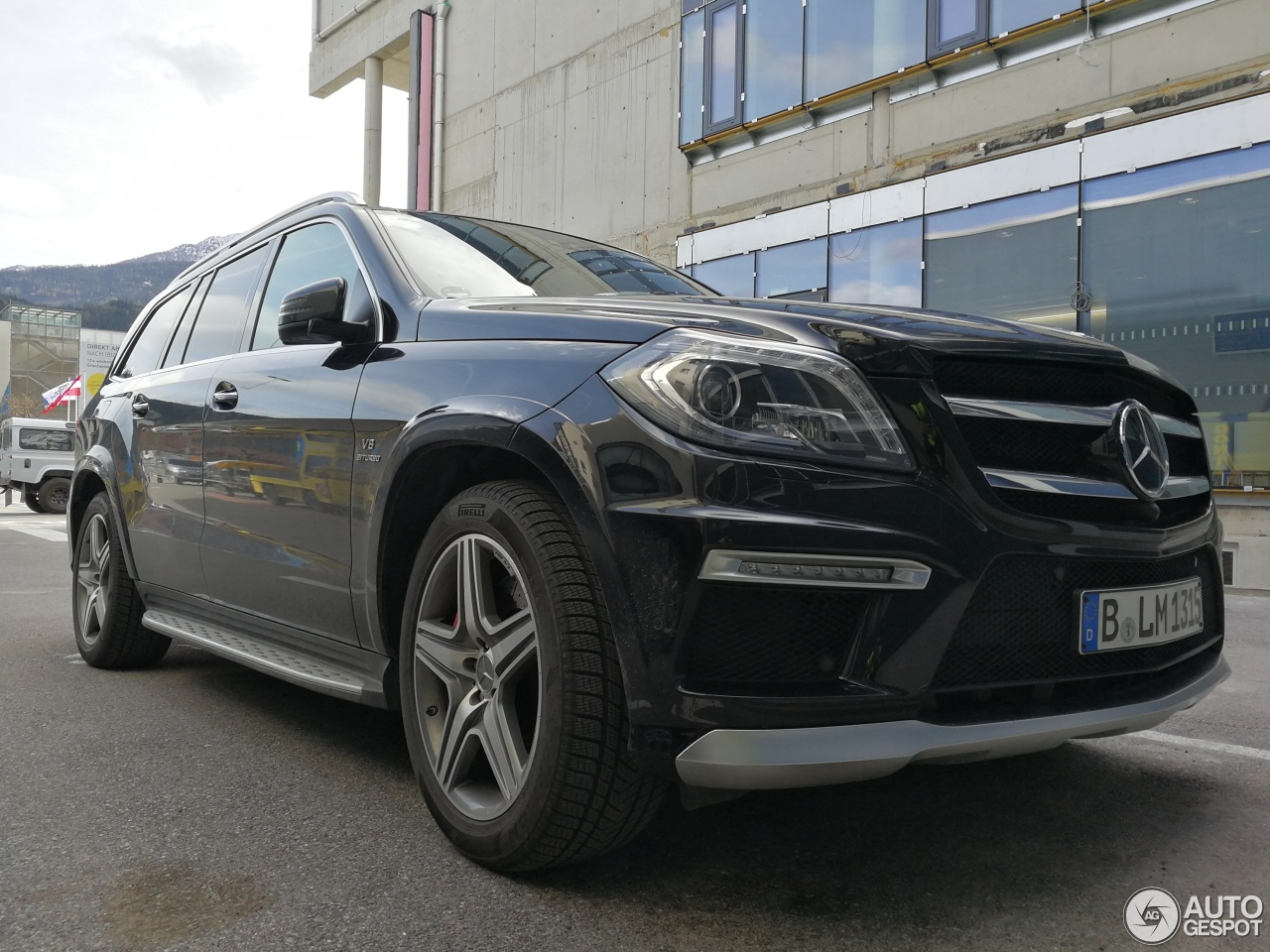 Mercedes benz gl 63 amg x166 19 march 2017 autogespot for 2017 mercedes benz gl450