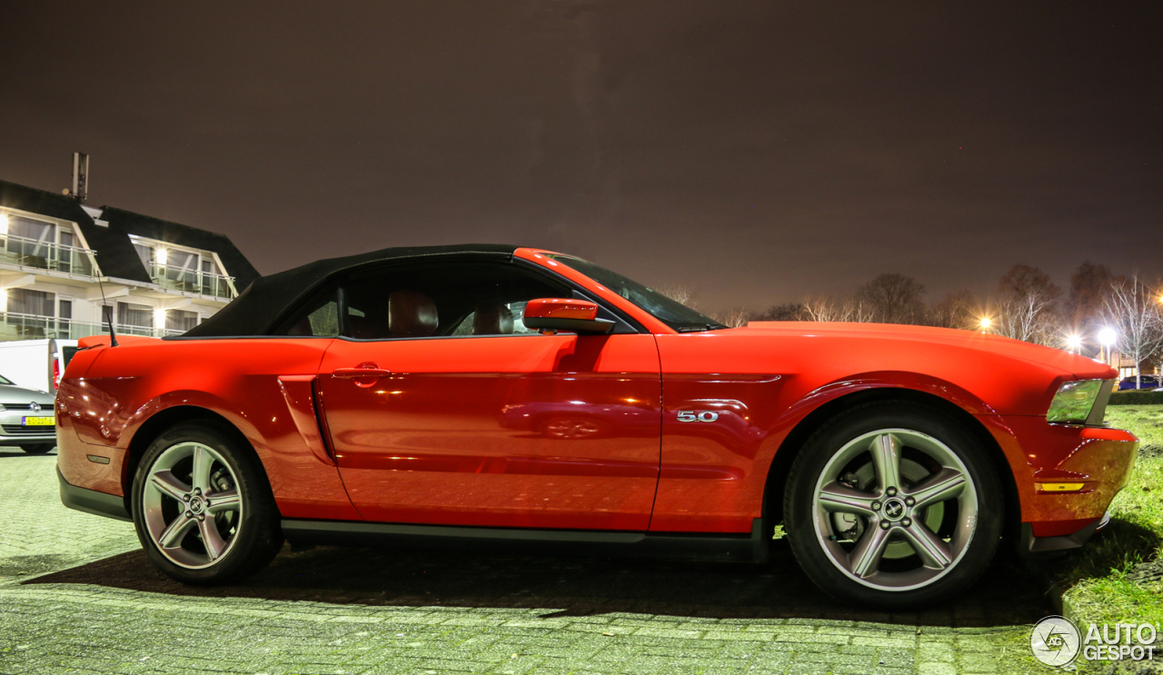Ford Mustang Gt Convertible 2011 22 March 2017 Autogespot