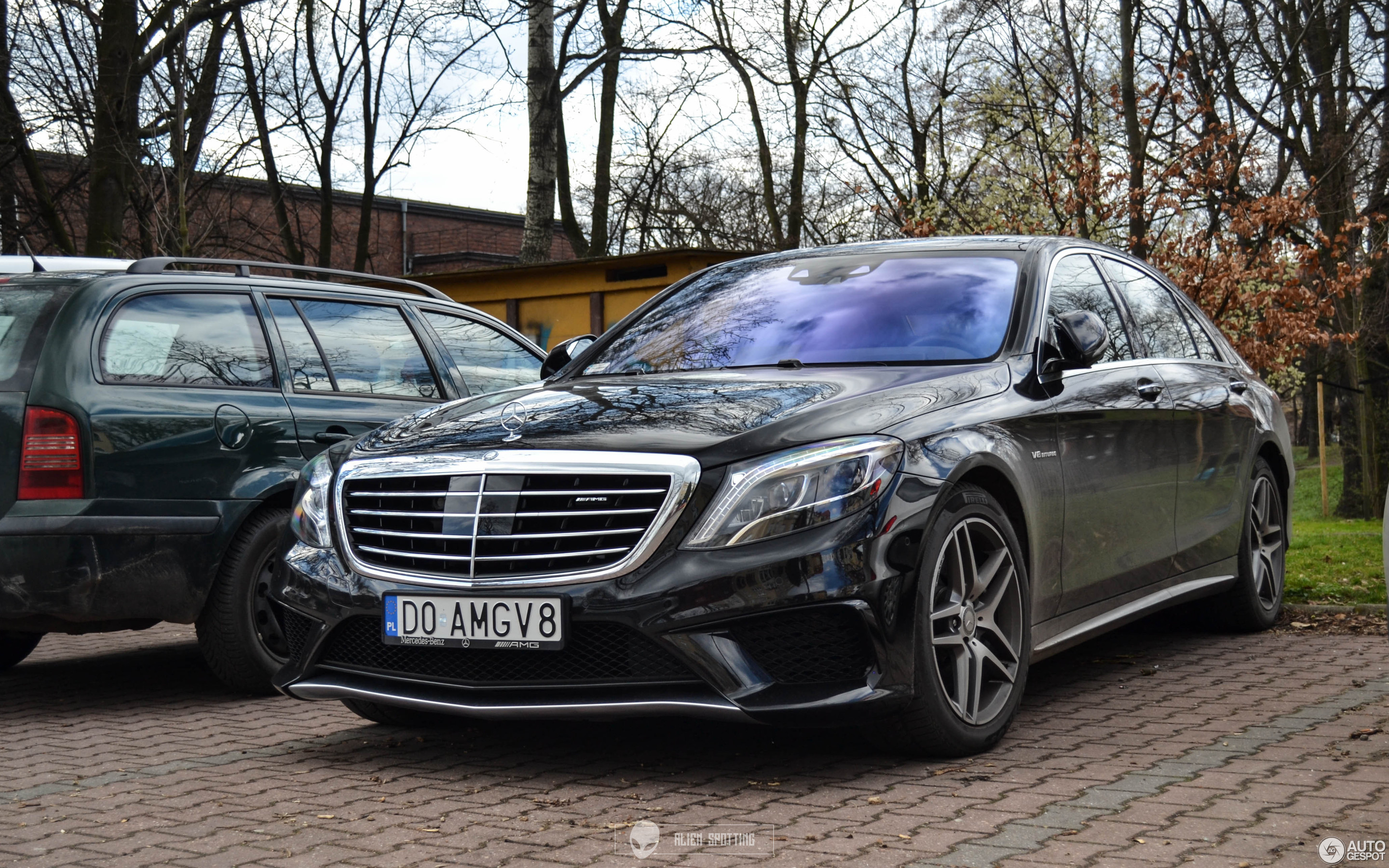 2880-1800-crop-mercedes-benz-s-63-amg-w2