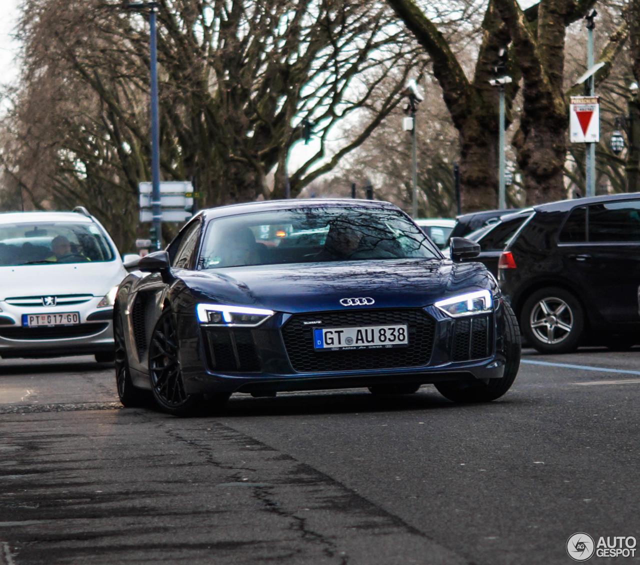 Audi R8: Audi R8 V10 Plus 2015