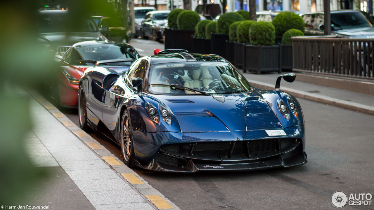 pagani huayra pearl 31 march 2017 autogespot. Black Bedroom Furniture Sets. Home Design Ideas