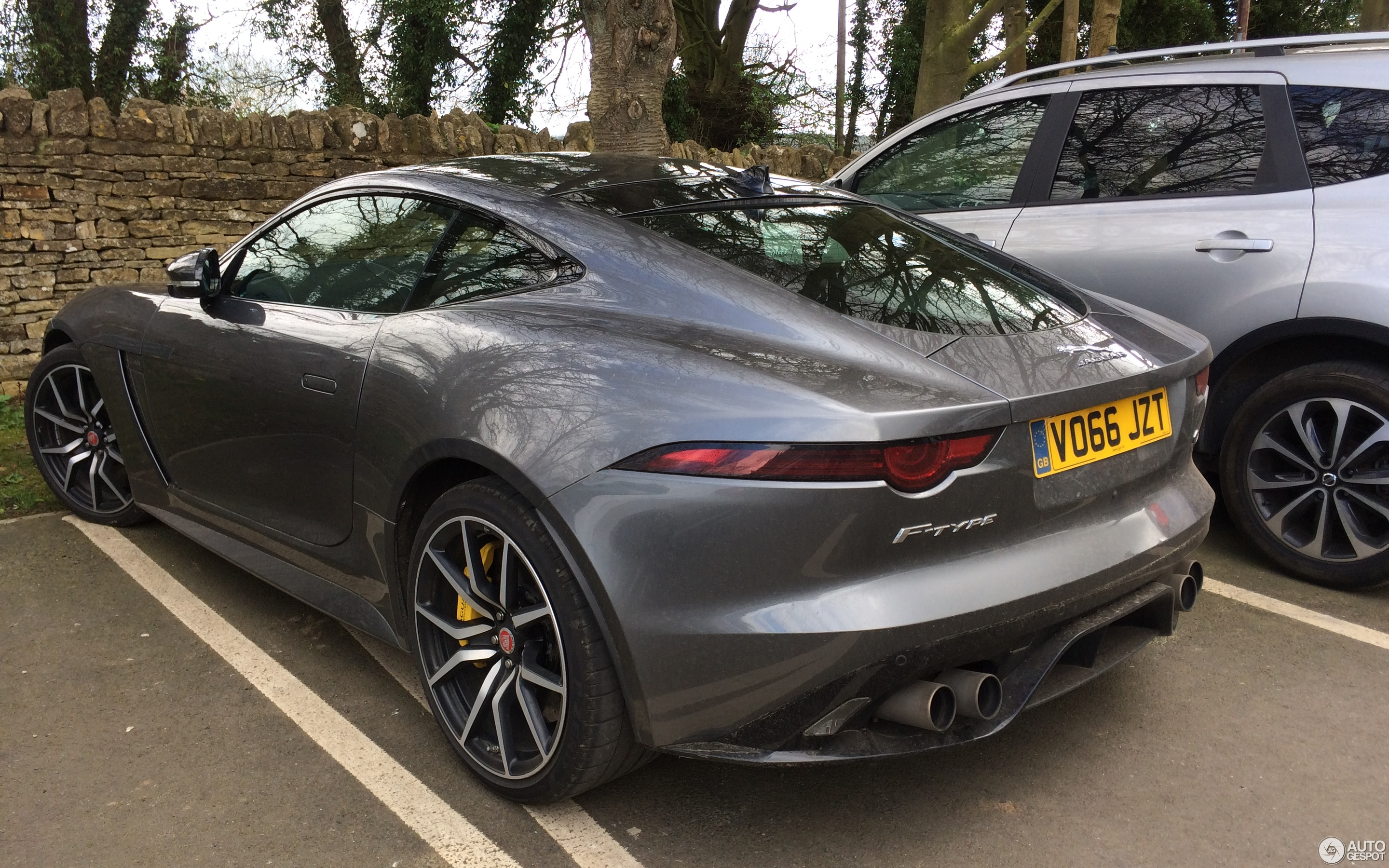 jaguar f-type svr coupé 2017 - 1 april 2017 - autogespot