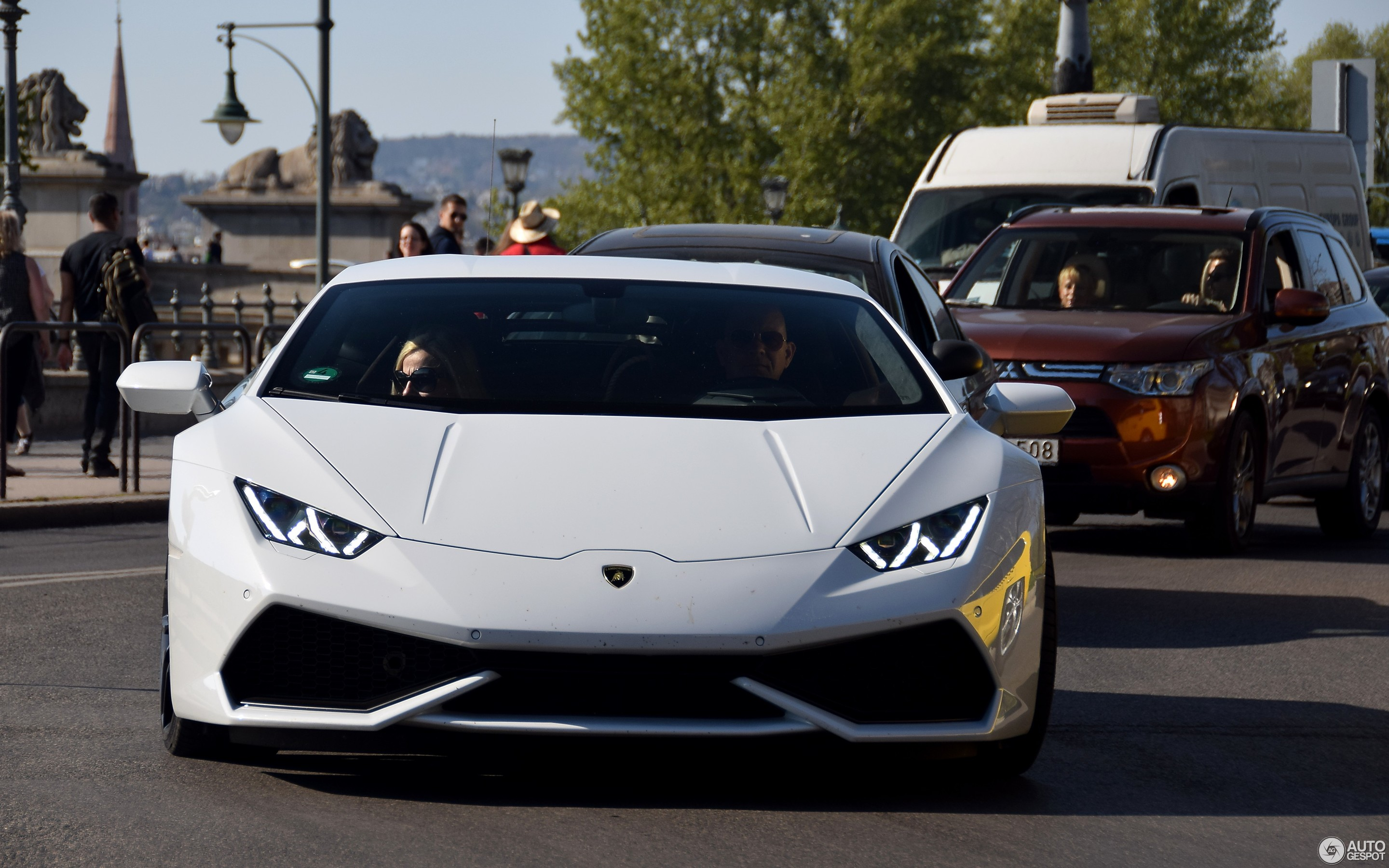 hurac april lamborghini used n huracan crop autogespot