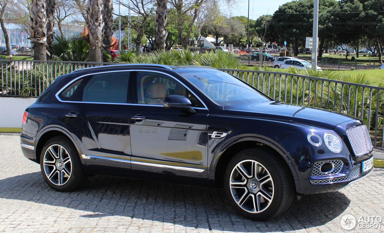 Bentley Bentayga Diesel 2 Abril 2017 Autogespot