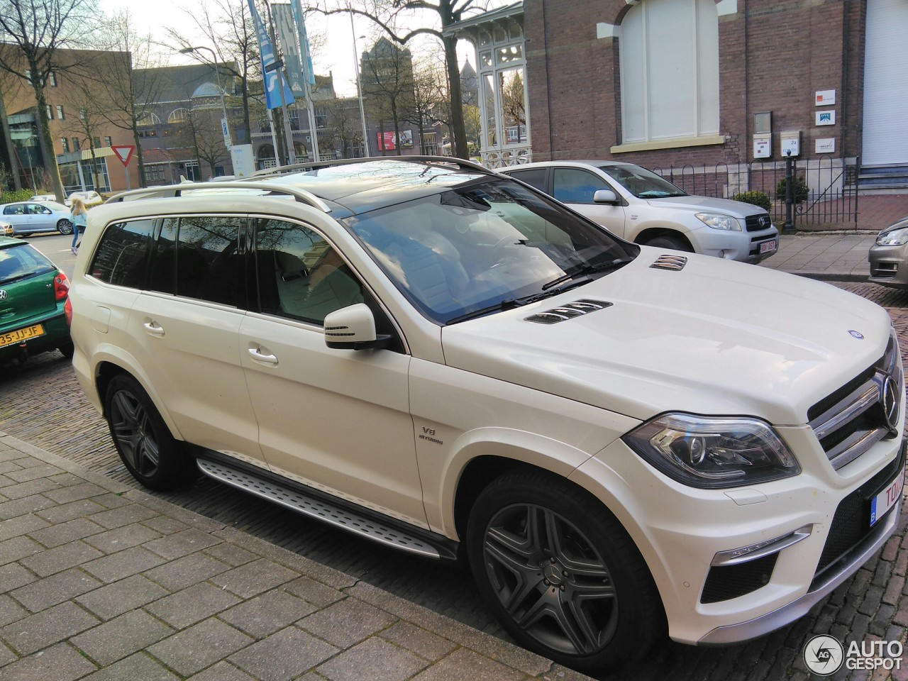 mercedes benz gl 63 amg x166 3 april 2017 autogespot. Black Bedroom Furniture Sets. Home Design Ideas