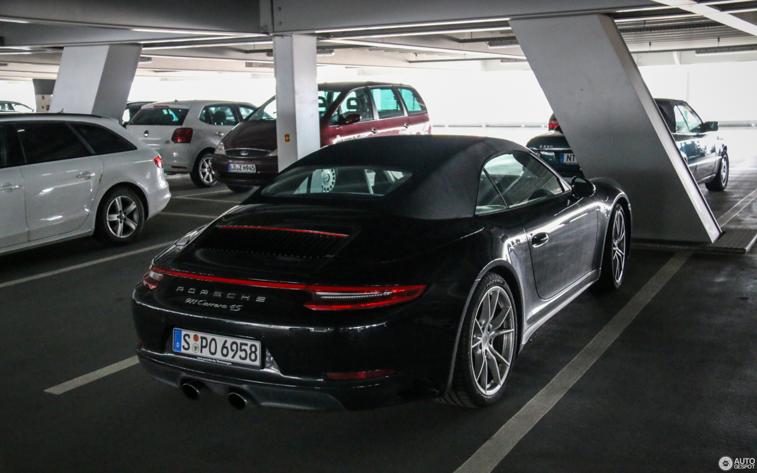 Porsche 991 Carrera 4S Cabriolet MkII 4 April 2017 Autogespot