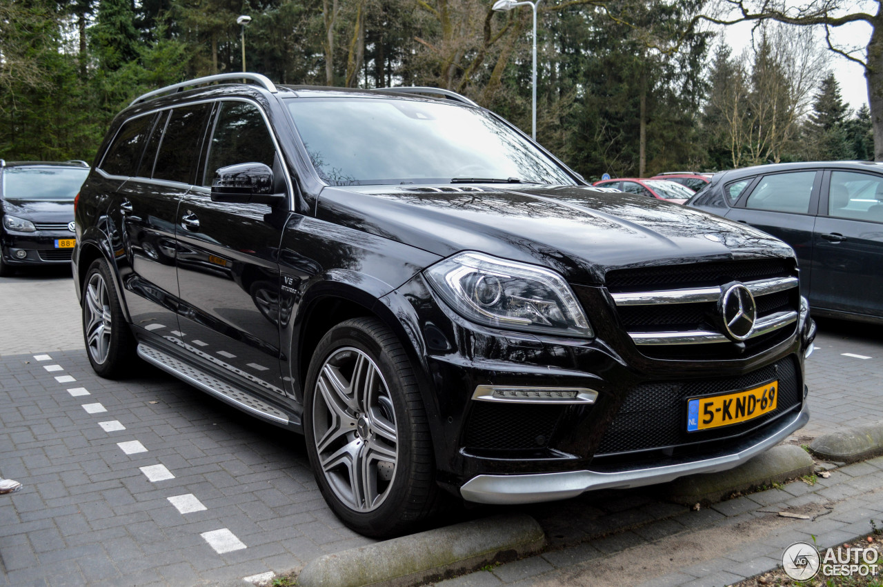 Mercedes benz gl 63 amg x166 5 april 2017 autogespot for 2017 mercedes benz gl450