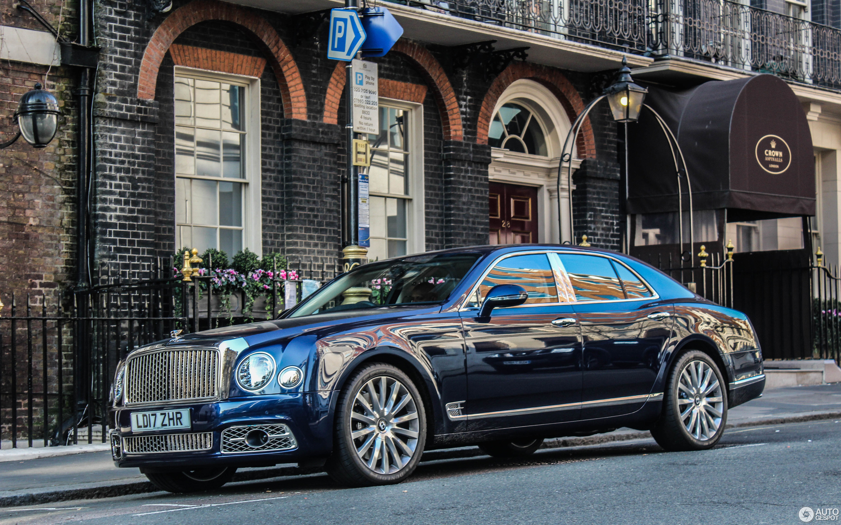 bentley mulsanne 2016 10 april 2017 autogespot. Black Bedroom Furniture Sets. Home Design Ideas