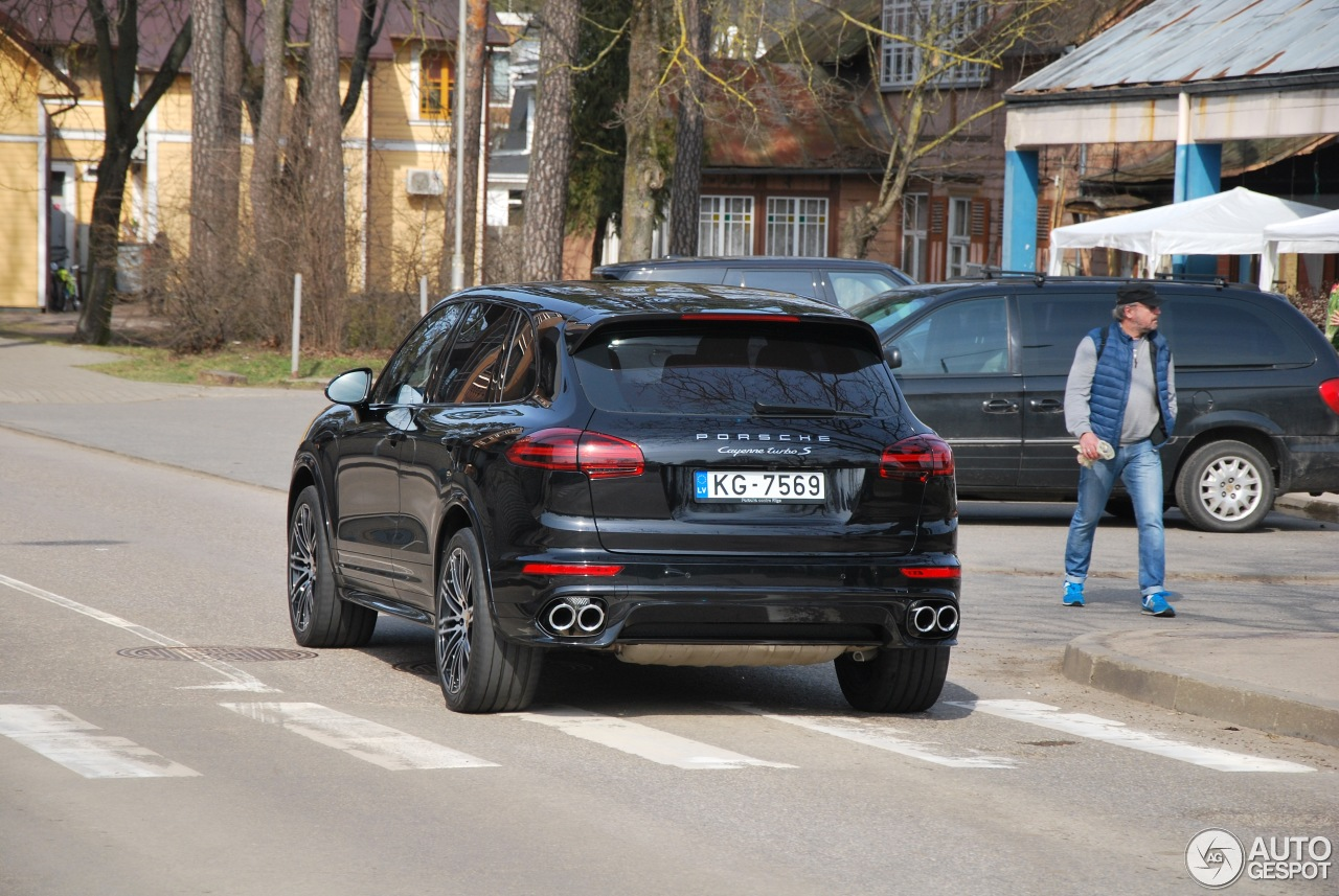 porsche 958 cayenne turbo s mkii 10 april 2017 autogespot. Black Bedroom Furniture Sets. Home Design Ideas