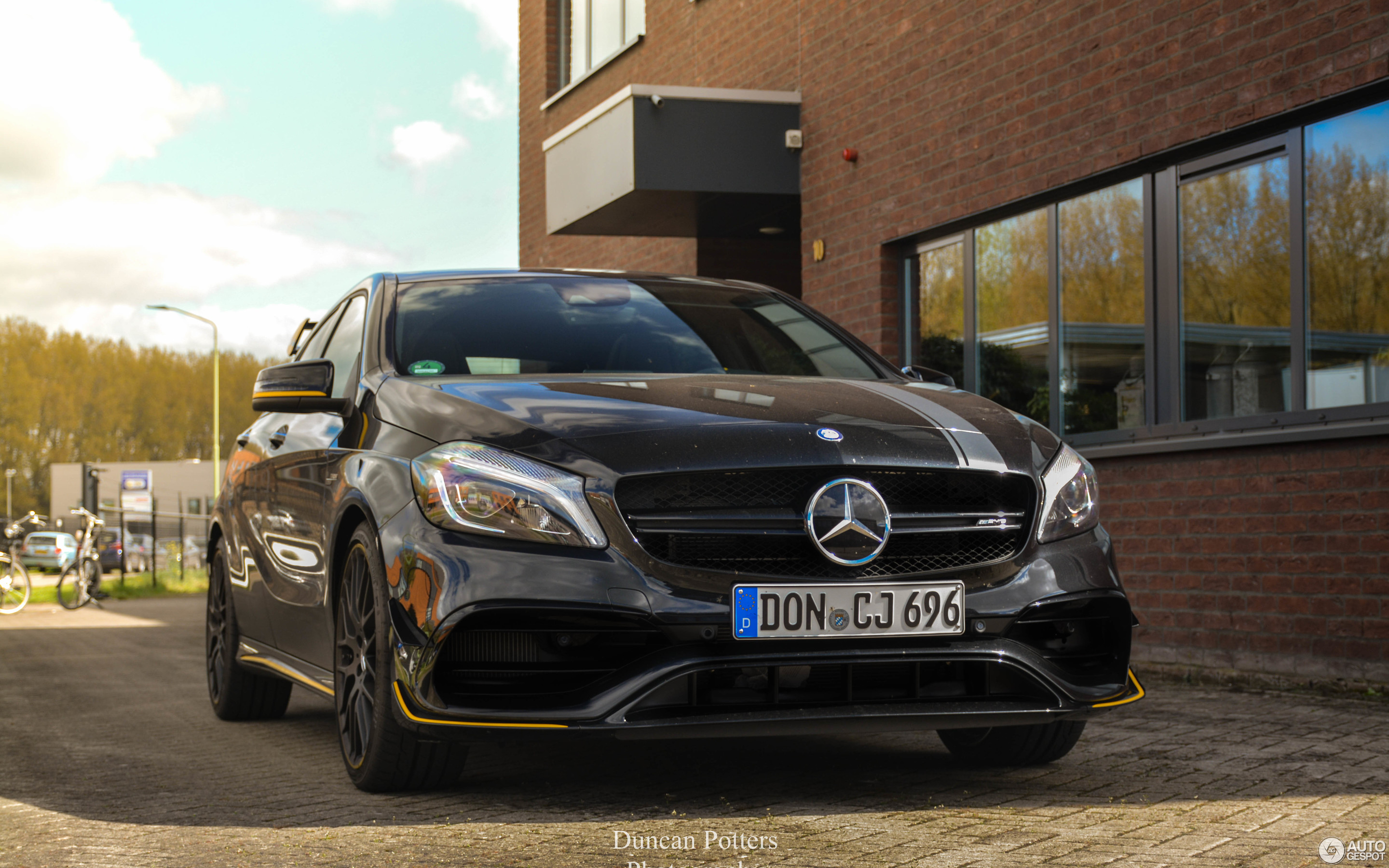 mercedes amg a 45 w176 yellow night edition 11 april 2017 autogespot. Black Bedroom Furniture Sets. Home Design Ideas