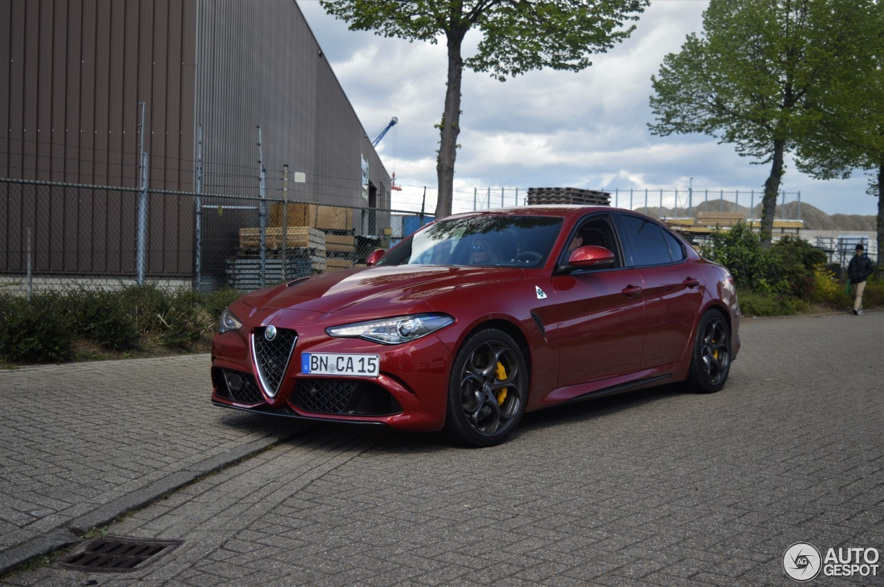 alfa romeo giulia quadrifoglio 17 april 2017 autogespot. Black Bedroom Furniture Sets. Home Design Ideas