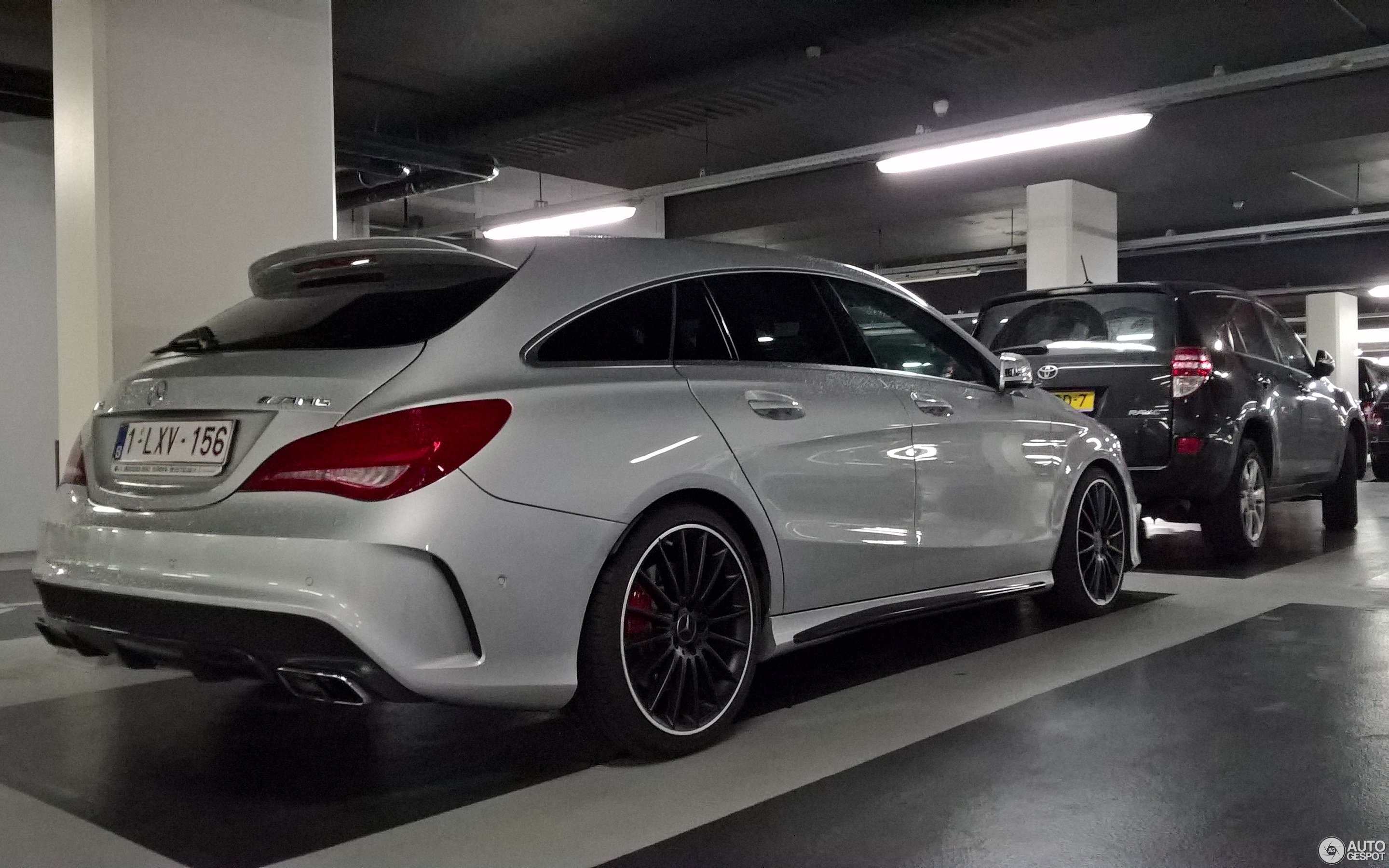 Mercedes Benz CLA 45 AMG Shooting Brake