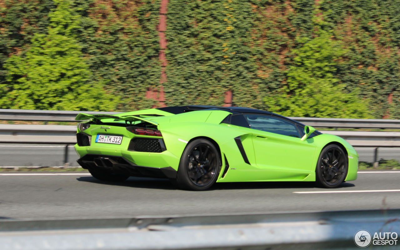 Lamborghini Aventador LP700-4 Roadster - 19 April 2017 ...