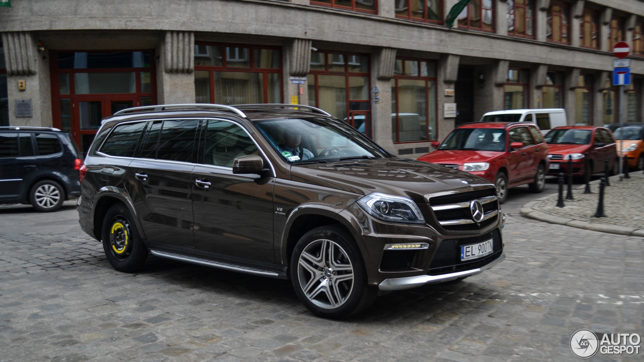 Mercedes benz gl 63 amg x166 19 april 2017 autogespot for 2017 mercedes benz gl450