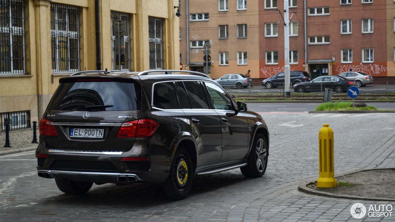 mercedes benz gl 63 amg x166 19 april 2017 autogespot. Black Bedroom Furniture Sets. Home Design Ideas